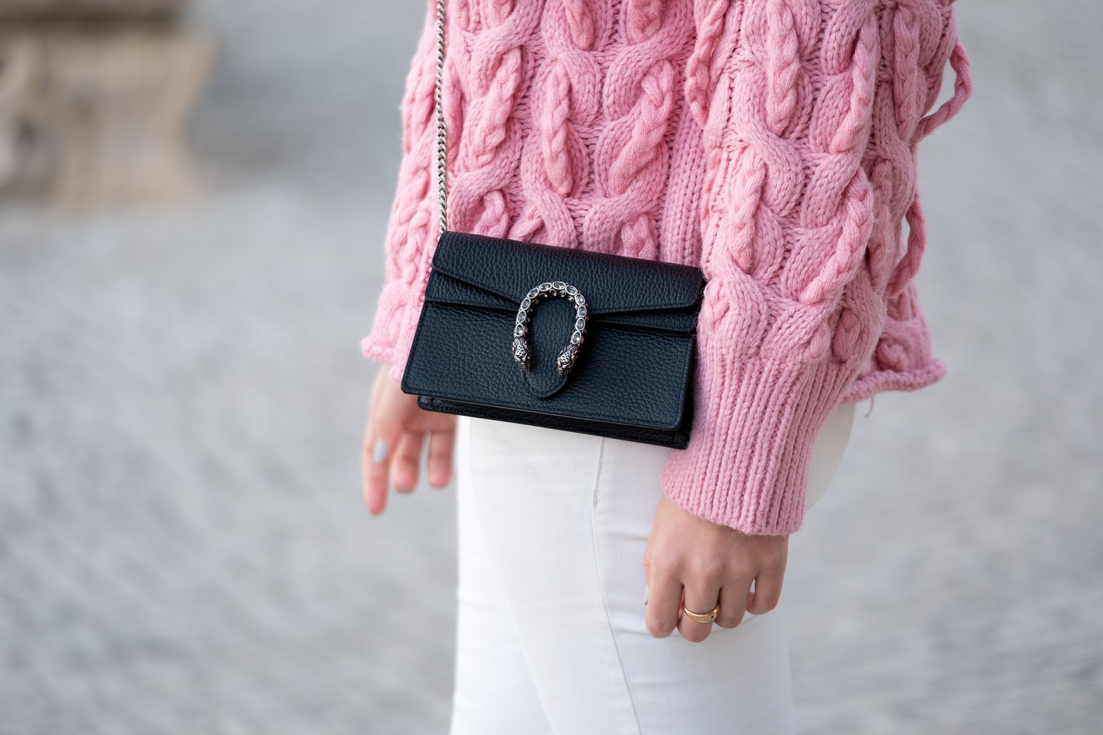 Le Fashionaire pink zara cable knit sweater white mango trousers gucci mini dionysus leather bag 9706 EN pink zara cable knit sweater white mango trousers gucci mini dionysus leather bag 9706 EN