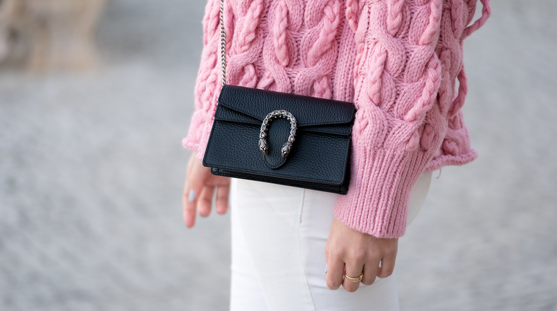 Le Fashionaire Is fashion cyclical or is it a spiral? pink zara cable knit sweater white mango trousers gucci mini dionysus leather bag 9706F EN 805x450