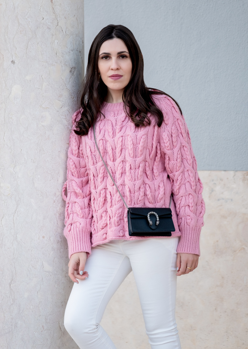 Le Fashionaire Is fashion cyclical or is it a spiral? pink zara cable knit sweater white mango trousers gucci mini dionysus leather bag 9710 EN 805x1131