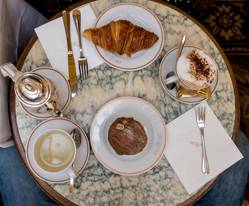 Le Fashionaire 5 sítios imperdíveis em Paris angelina cappuccino croissant bolo chocolate 3053 PT 805x667