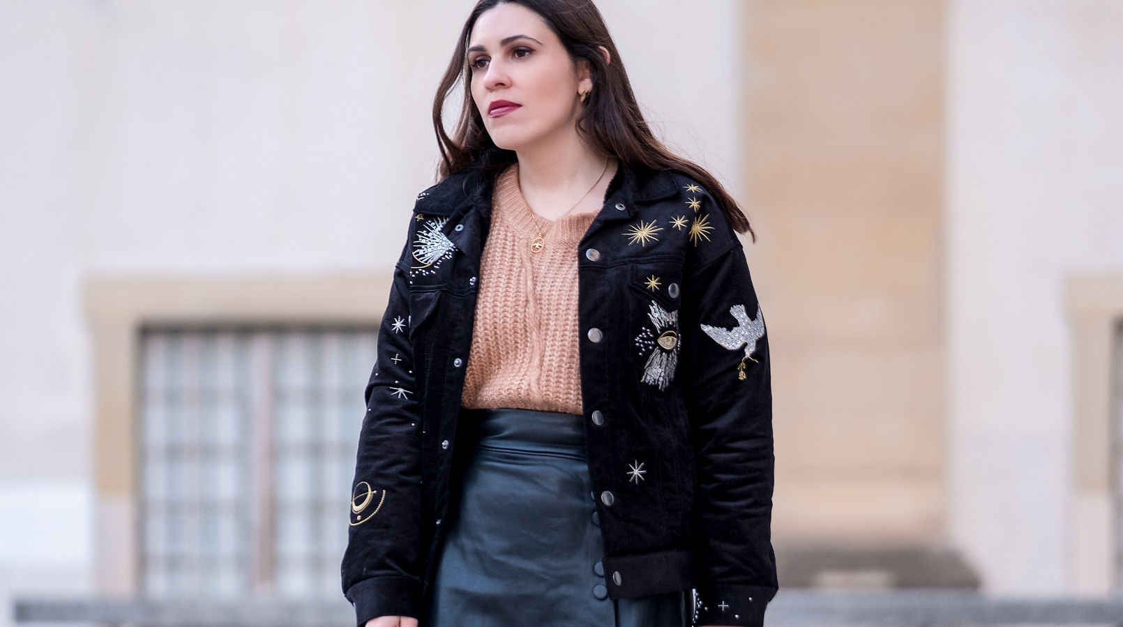 Le Fashionaire Is the wood bag the new it bag? black jacket stars moon embroidered gold hm camel wool zara knit gold silver bird cinco necklace front buttons black fake leather zara skirt 1949F EN