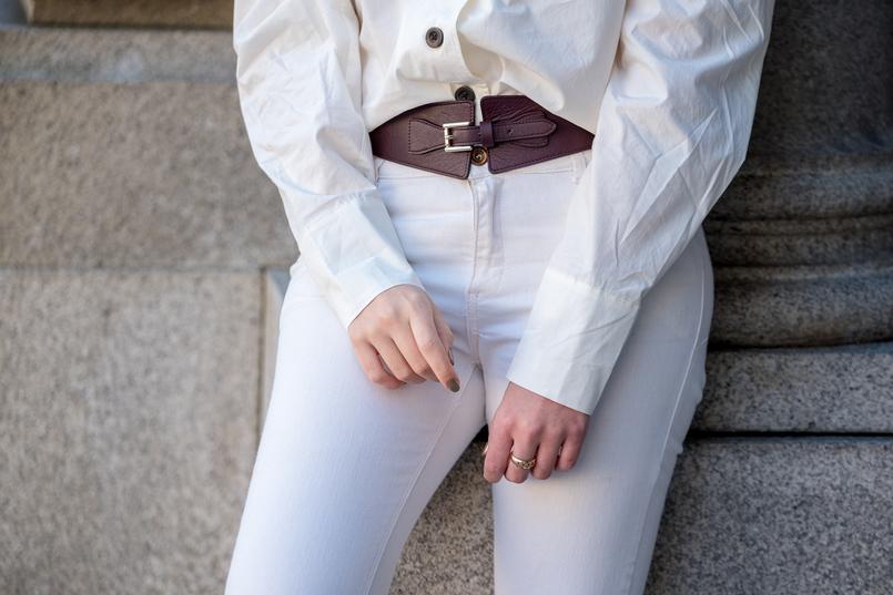 Le Fashionaire A camisa mais gira desta primavera camisa branca algodao botoes castanhos hm calcas brancas skinny mango cinto castanho pele massimo dutti 6116 PT 805x537