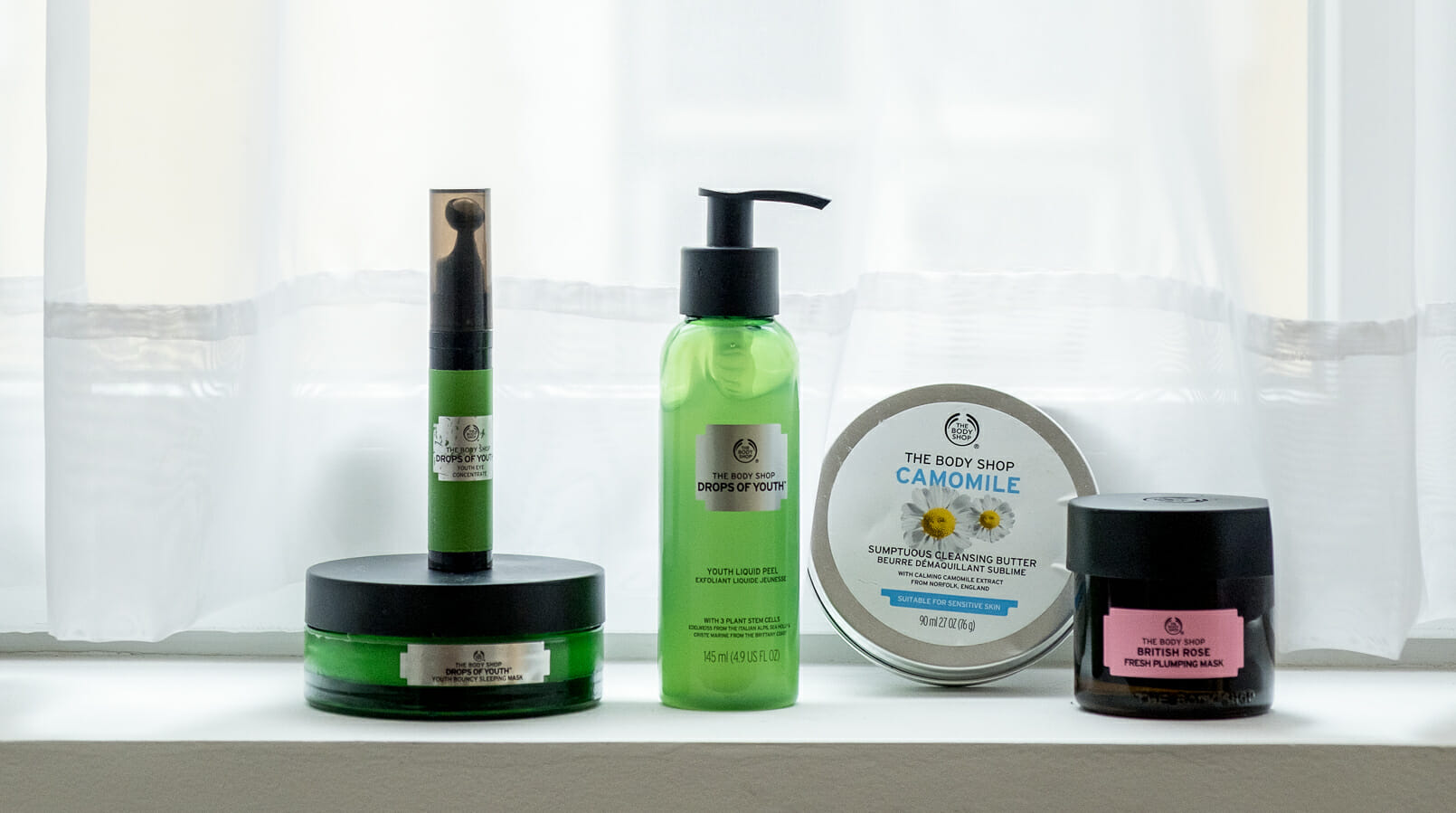 Le Fashionaire My top 5 The Body Shop products camomile cleansing butter green drops of youth scrub night mask drops of youth the body shop eyes roll on drops of youth 4739F EN