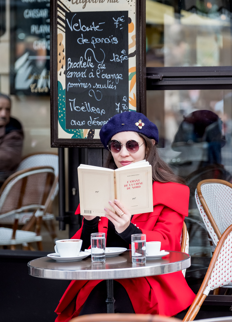 Le Fashionaire 3 french authors you need to know dark blue flower pin wool mango beret round mango sunglasses marguerite duras lamant chine nord book 4093 EN 805x1115