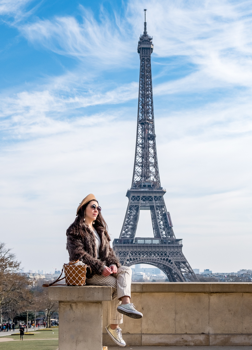 Le Fashionaire Is it worth it going to the Eiffel Tower? eiffel tower paris camel beret asos faux fur brown coat vintage brown mango mesh vase style bag gold converse all star sneakers 2520 EN 805x1117