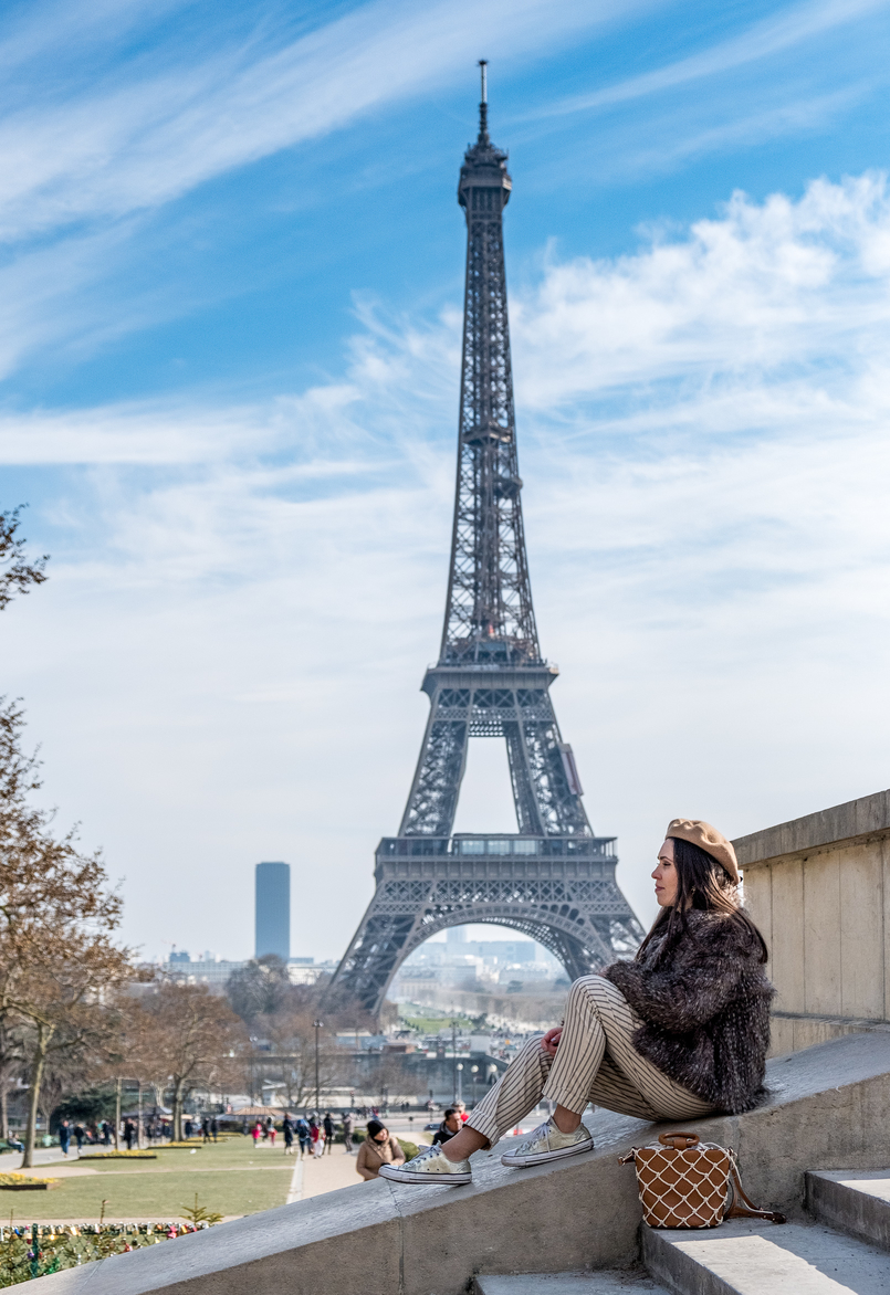Le Fashionaire Is it worth it going to the Eiffel Tower? eiffel tower paris camel beret asos faux fur brown coat vintage stripes white black mango trousers gold converse all star sneakers 2496 EN 805x1172