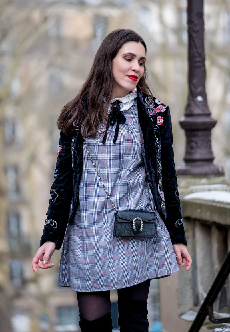 Le Fashionaire Paris: Montmartre and luch at Pink Mamma embroidered velvet jacket red fox shein tartan grey red shein dress english embroidered white neck gucci mini dionysus leather bag silver tiger 2784 EN 805x1162