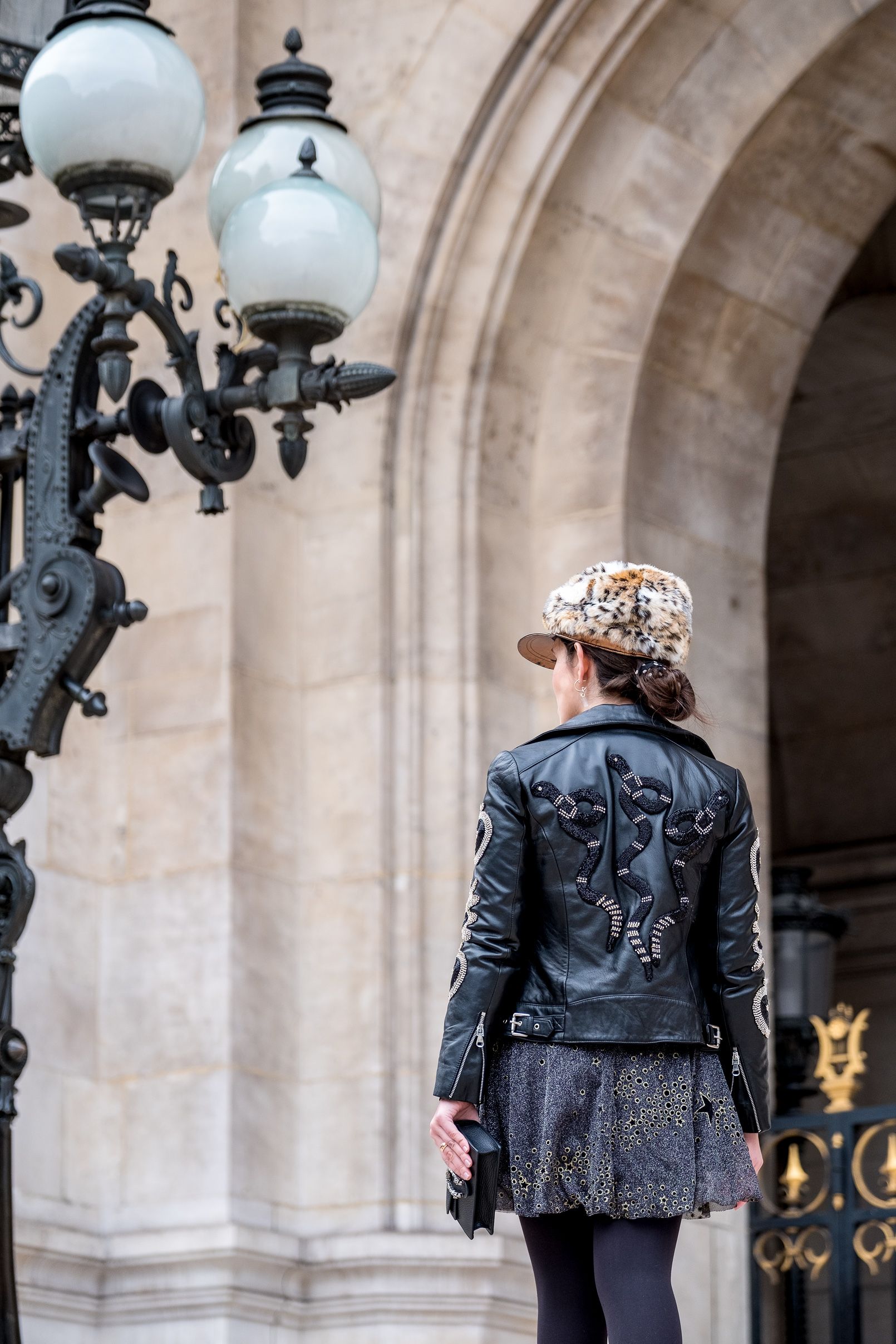 Le Fashionaire faux fur leopard beret gold old black leather embroidered crystal snakes apples uterque jacket glitter gray gold stars zara dress 4488 EN faux fur leopard beret gold old black leather embroidered crystal snakes apples uterque jacket glitter gray gold stars zara dress 4488 EN