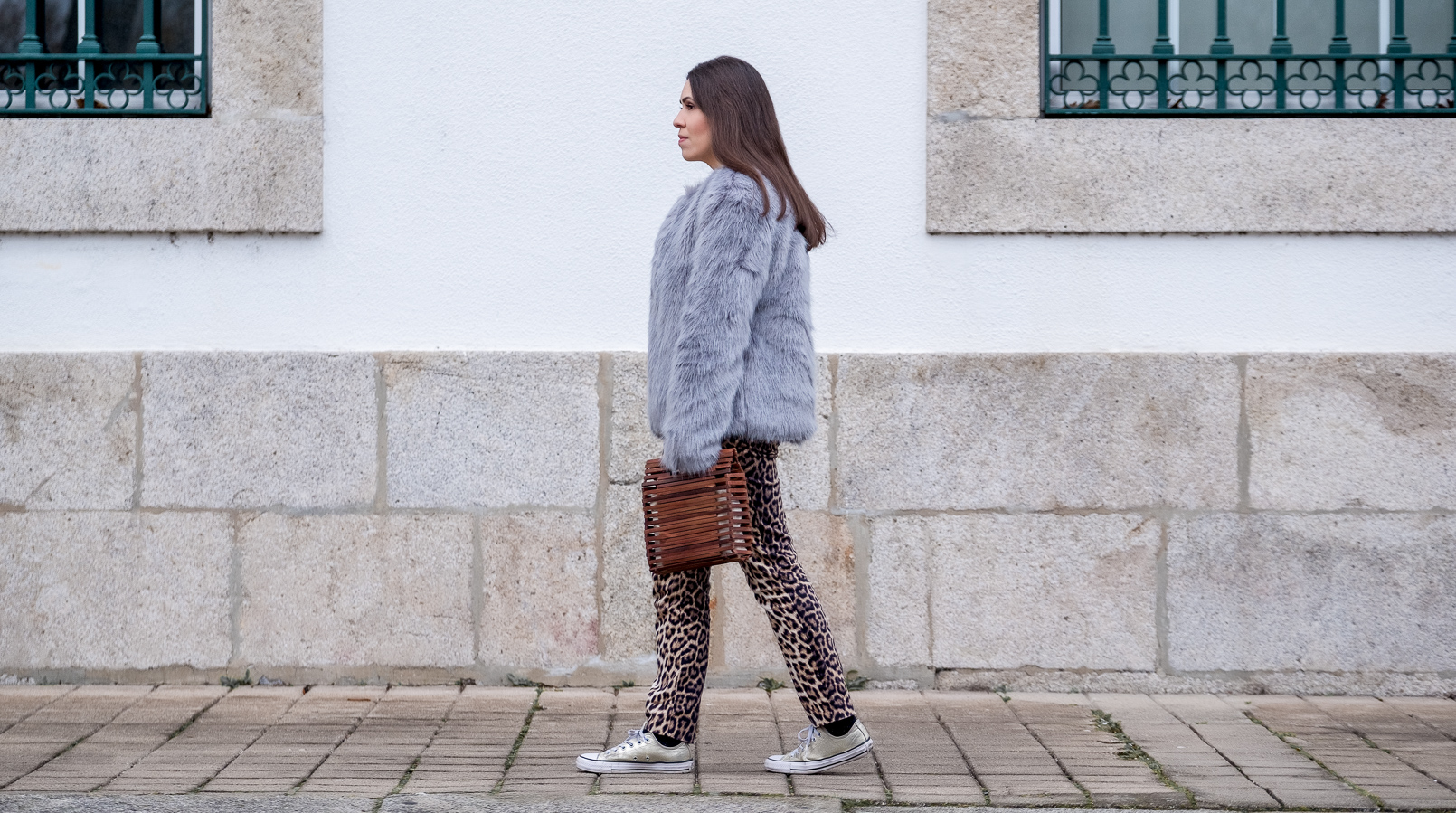 Le Fashionaire Why you need to stop comparing yourself faux fur pale blue bershka coat leopard print zara trousers wood hand made zara bag gold converse all star sneakers 1179F EN