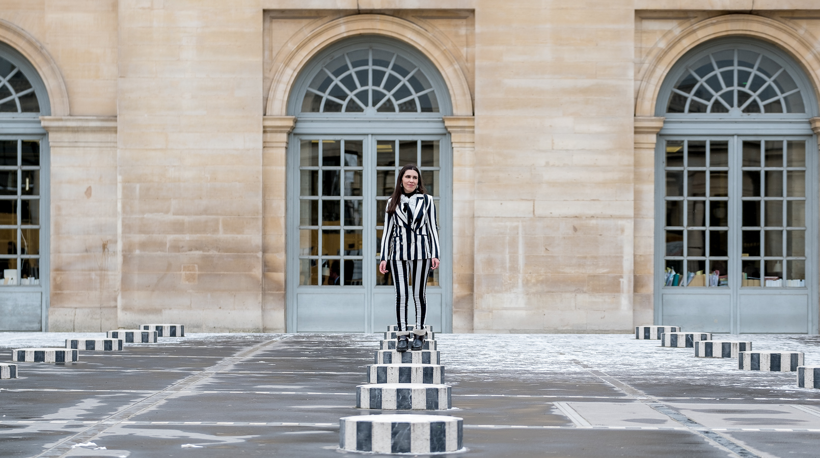 Le Fashionaire Stripes in Paris stripes black white hm blazer black white vertical stripes hm trousers gucci mini dionysus black silver tiger bag black zara boots 2248F EN