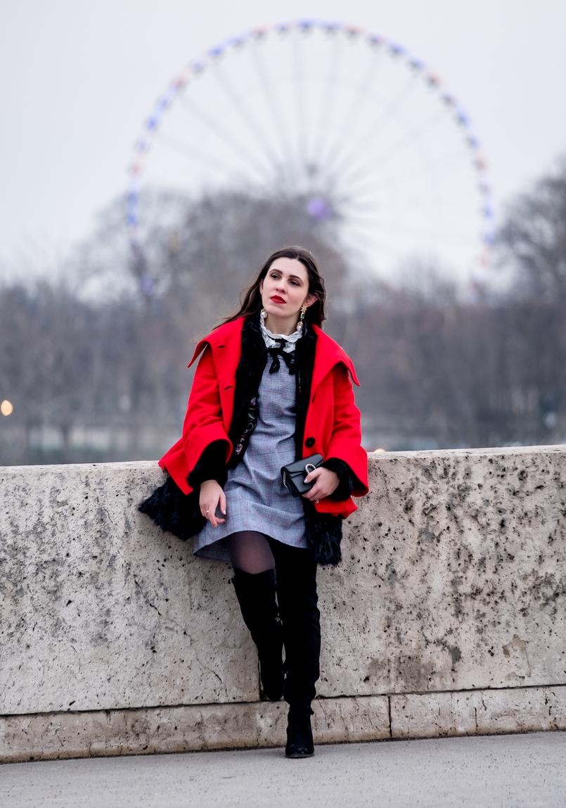 Le Fashionaire Paris: Passeio por Montmartre e almoço no Pink Mamma vestido xadrez cinzento vermelho bordado ingles shein botas pretas altas stradivarius 2932 PT 805x1148