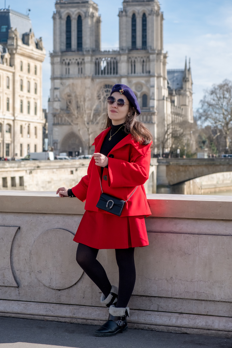 Le Fashionaire 3 french authors you need to know vintage red skirt winter faux fur leather black zara boots gold cinco bird necklace turtle neck black zara knit gucci mini dionysus black bag 4123 EN 805x1208