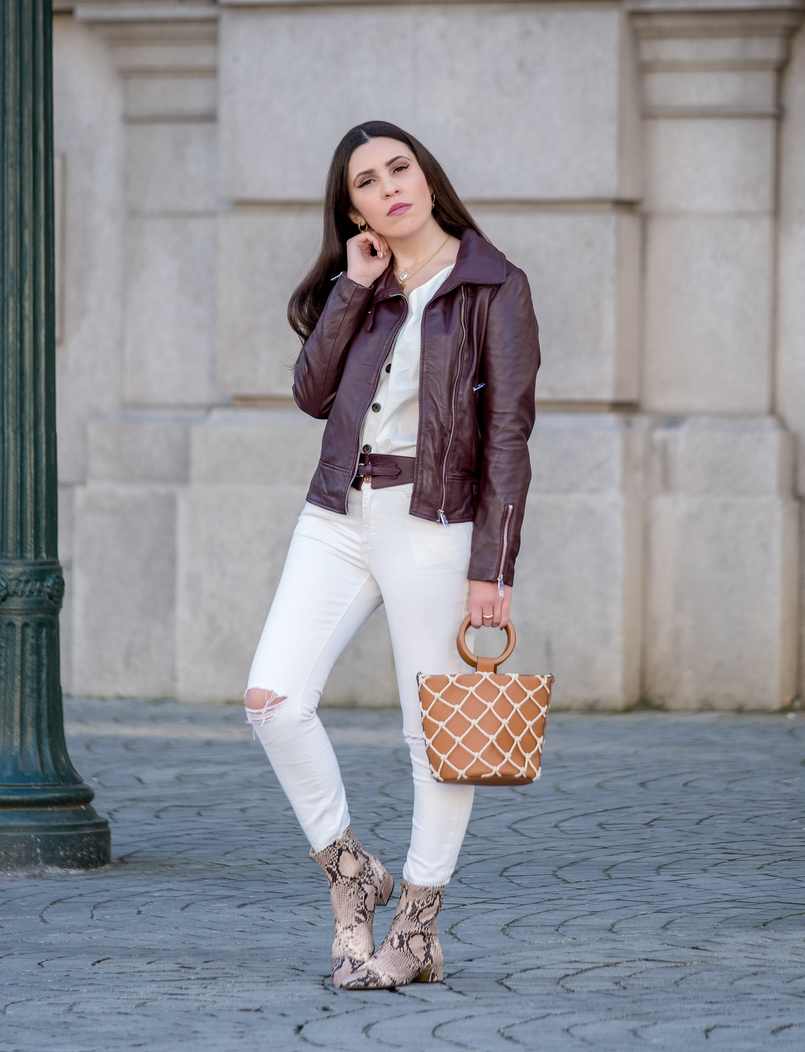 Le Fashionaire The coolest shirt for this spring white skinny jeans mango leather brown massimo dutti belt leather brown burgundy leather jacket camel mesh mango bag 5994 EN 805x1052