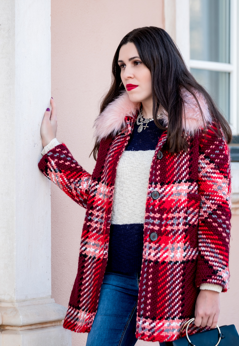 Le Fashionaire Mid   season sales are for buying coats wool red faux fur pale pink neck zara plaid coat dark blue white stripes mango cotton sweater cross silver parfois charms necklace 1781 EN 805x1165