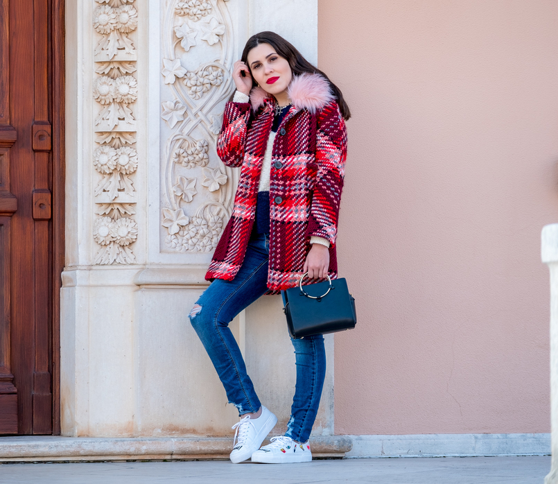 Le Fashionaire Mid   season sales are for buying coats wool red faux fur pale pink neck zara plaid coat white embroidered eyes lipstick bershka sneakers black gold hoop zara bag 1739 EN 805x698