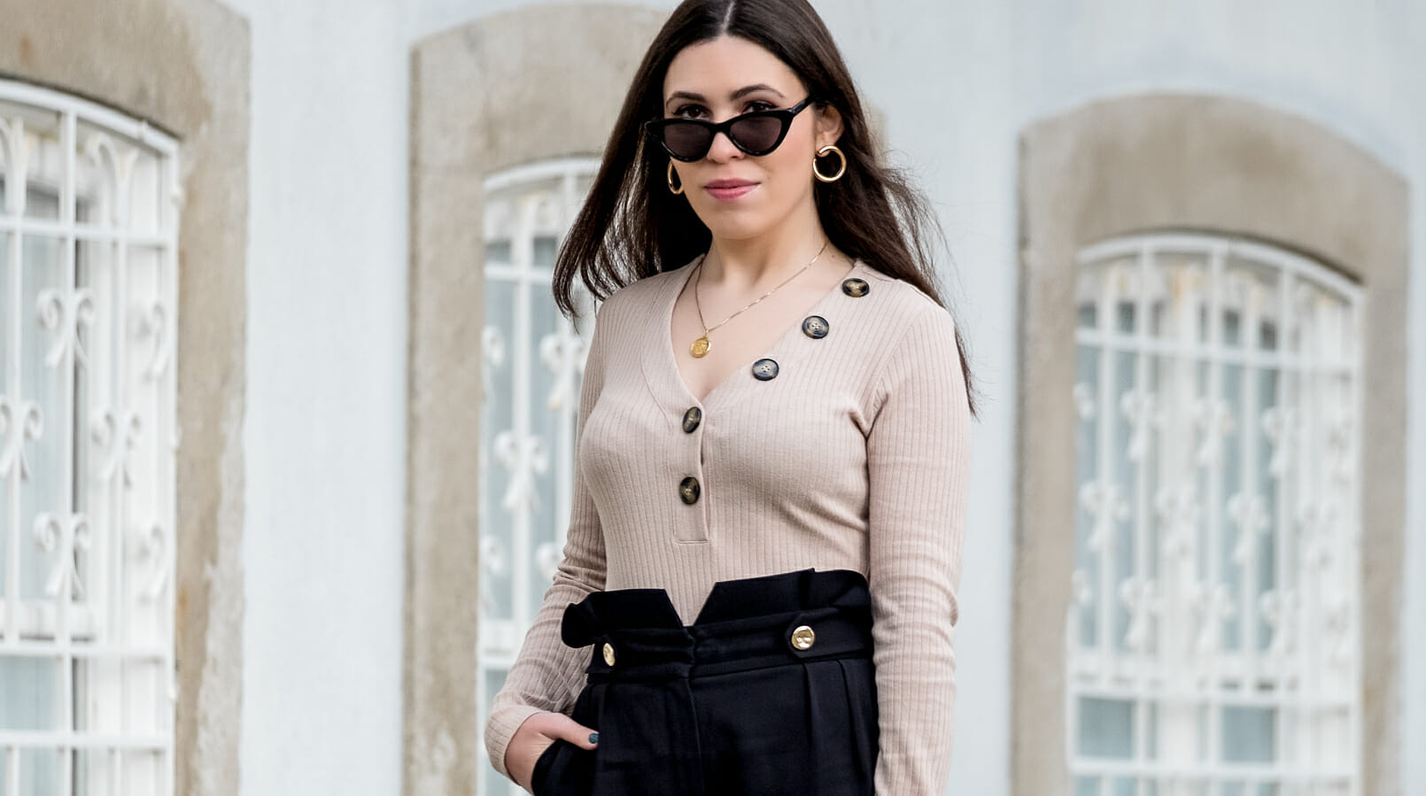 Le Fashionaire The only body you need this spring beige body v neck buttons river island gold world map cinco necklace gold circle mango earrings black cat eye mango sunglasses 6752F EN