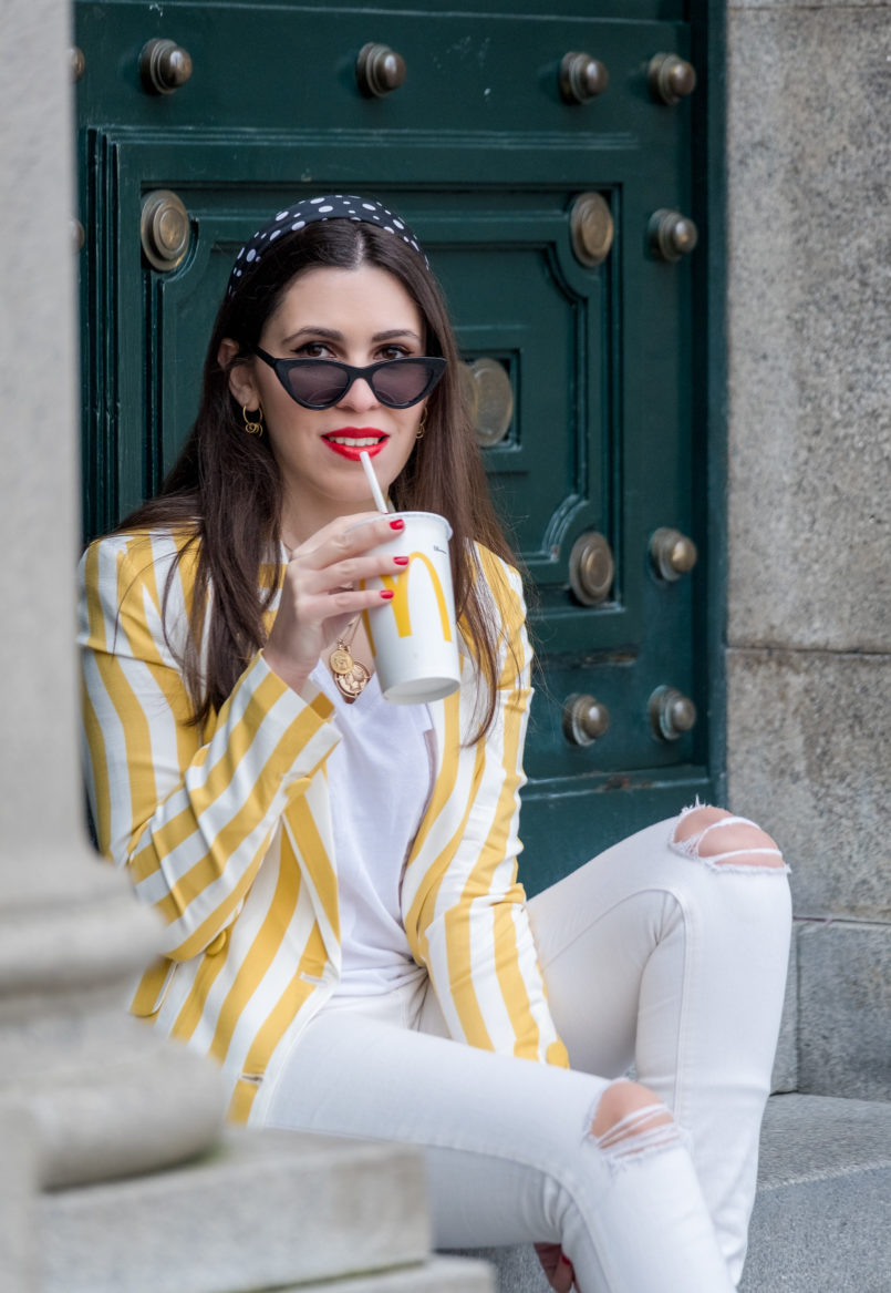 Le Fashionaire This is the blazer youll need this spring blazer white yellow stripes bershka sunglasses black cat eye mango gold hoop earrings cinco black polka dots white scarf 6348 EN 805x1167