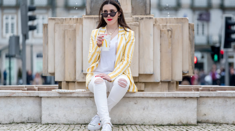 Le Fashionaire This is the blazer youll need this spring blazer white yellow stripes bershka white tee cotton zara sunglasses black cat eye mango black polka dots white scarf 6419F EN 805x450
