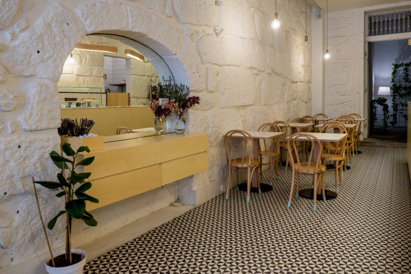 Le Fashionaire Cool places in Oporto: Brando Casa do Café brando casa cafe chairs decor tea room 7396 EN 805x537