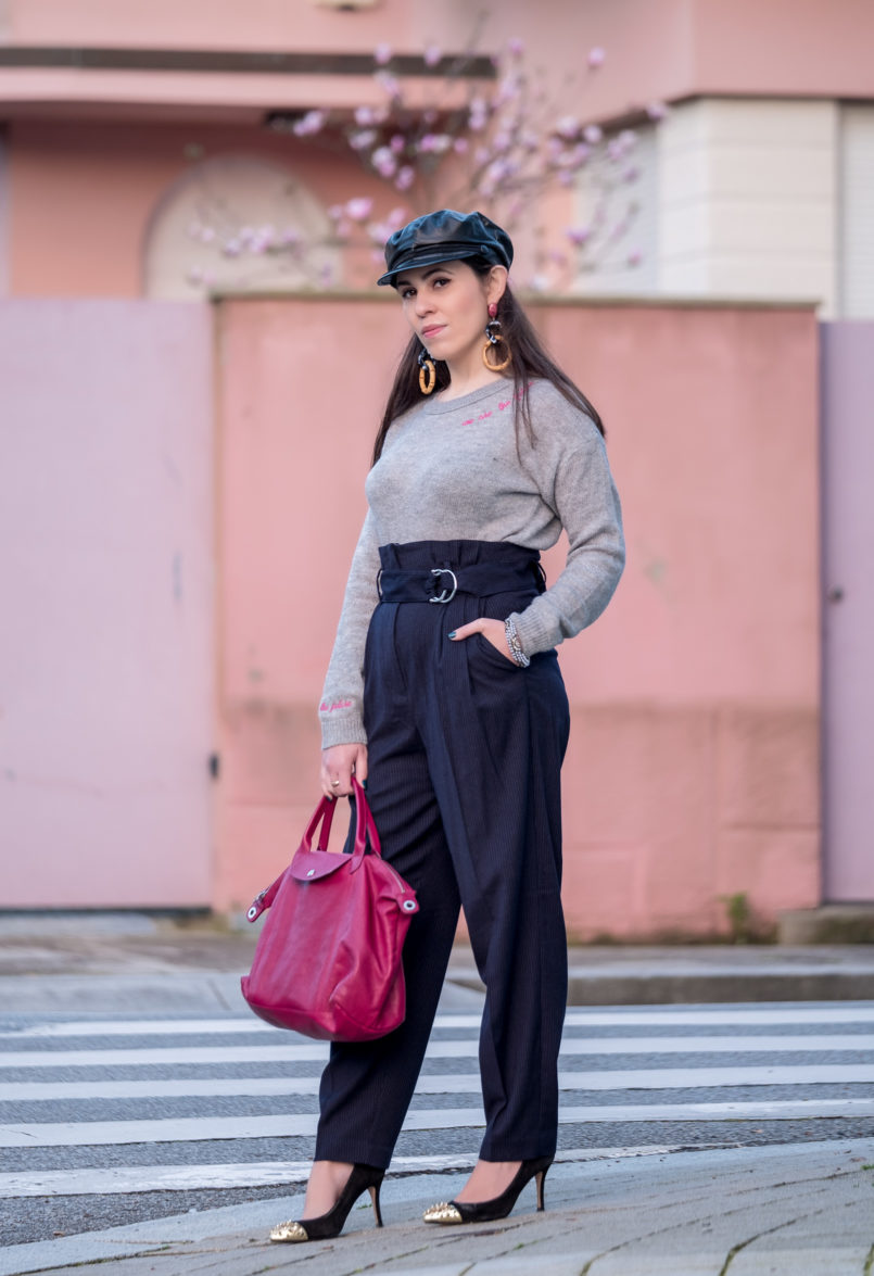 Le Fashionaire One year after my hip surgery grey knit wool jumper pink high waist pinstripes mango trousers gold pointed black shoes heels zara longchamp pliage cuir leather pink bag 7082 EN 805x1175