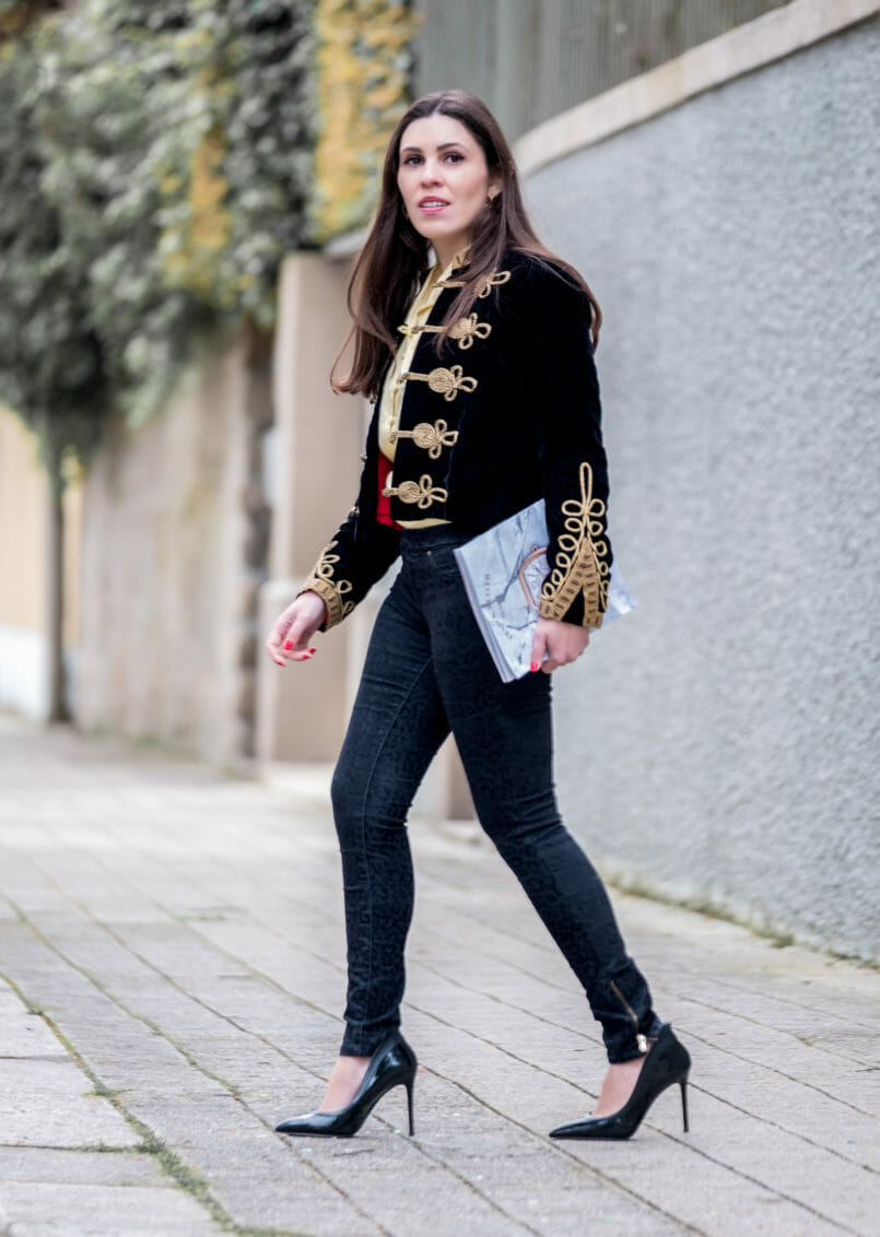 Le Fashionaire Are magazines days over? military dark blue gold velvet jacket black leopard velvet jeggings zara high heels vinyl aldo black 6597 EN 805x1132