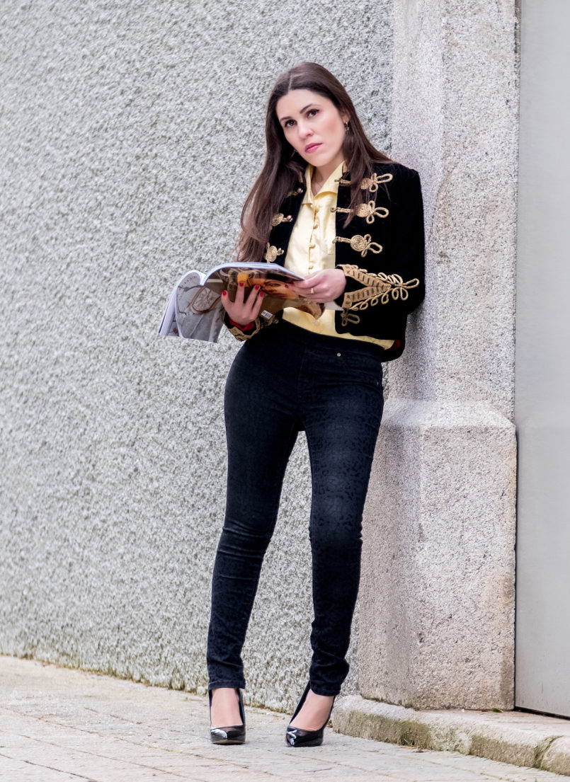 Le Fashionaire Are magazines days over? military dark blue gold velvet jacket black leopard velvet jeggings zara high heels vinyl aldo black 6611 EN 805x1105