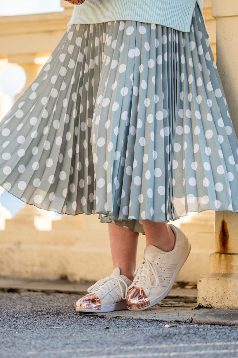 Le Fashionaire Where to find the coolest bold earrings skirt mint pleated white polka dots mango white gold pointed metallic adidas sneakers 6971 EN 805x1208