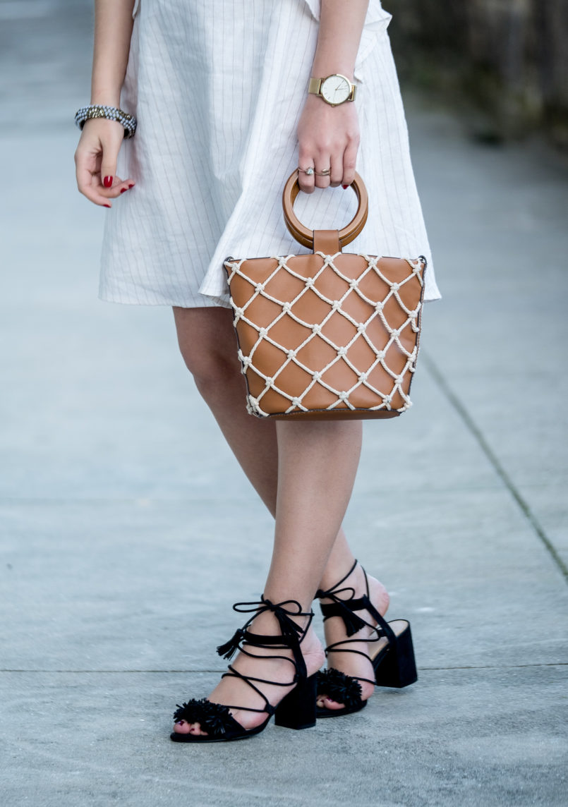 Le Fashionaire People change: what if we don't like that change? linen pinstripes beige brown bynv dress pompom black zara sandals mesh white brown mango bag 8534 EN 805x1144
