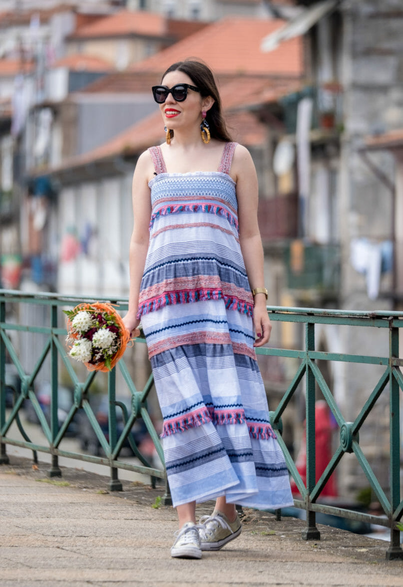 Le Fashionaire Maxi dresses are perfect for rush days maxi colorful stripes tassels zara dress cat eye celine sunglasses converse all star gold sneakers flowers 0336 EN 805x1171