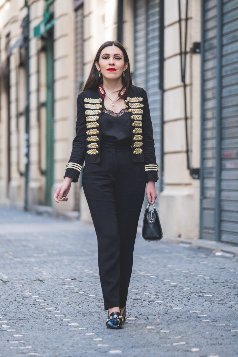 Le Fashionaire The chicest piece you'll have on your wardrobe military gold embroidered black red minusey jacket viny black pearls shein shoes satin black lace stradivarius top 9329 EN 805x1208