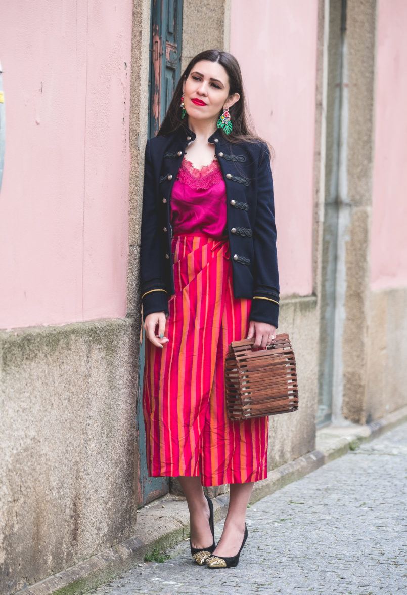 Le Fashionaire Sharing my favorite shop top purple silk massimo dutti silk stripes red pink skirt black heels gold pointed metallic spike zara shoes wood zara bag 9051 EN 805x1176