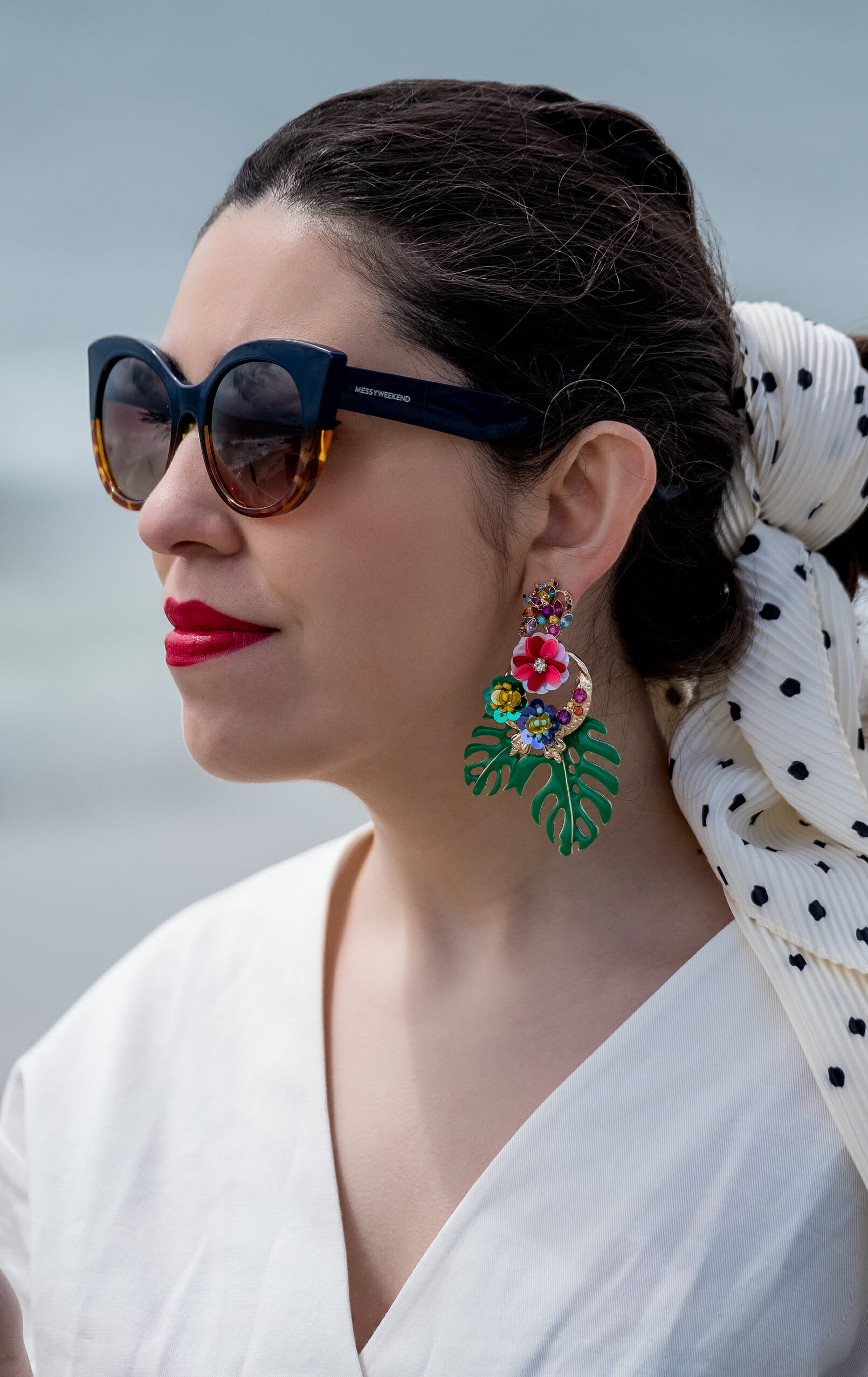 Le Fashionaire white black polka dots scarf zara green leave flowers bold earrings sunglasses cat eye messyweekend promocode 8901 EN white black polka dots scarf zara green leave flowers bold earrings sunglasses cat eye messyweekend promocode 8901 EN