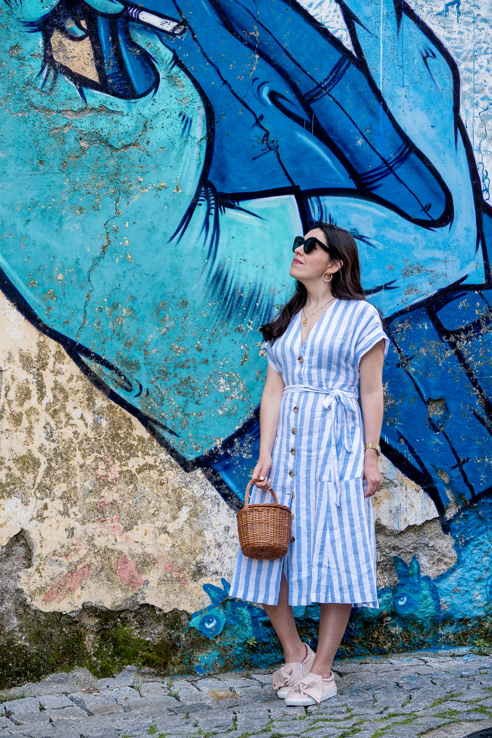 Le Fashionaire white pale blue stripes mango linen dress pale pink bow sneakers dora guimaraes straw bag la petite sardine street art covilha paintings 9656 EN white pale blue stripes mango linen dress pale pink bow sneakers dora guimaraes straw bag la petite sardine street art covilha paintings 9656 EN
