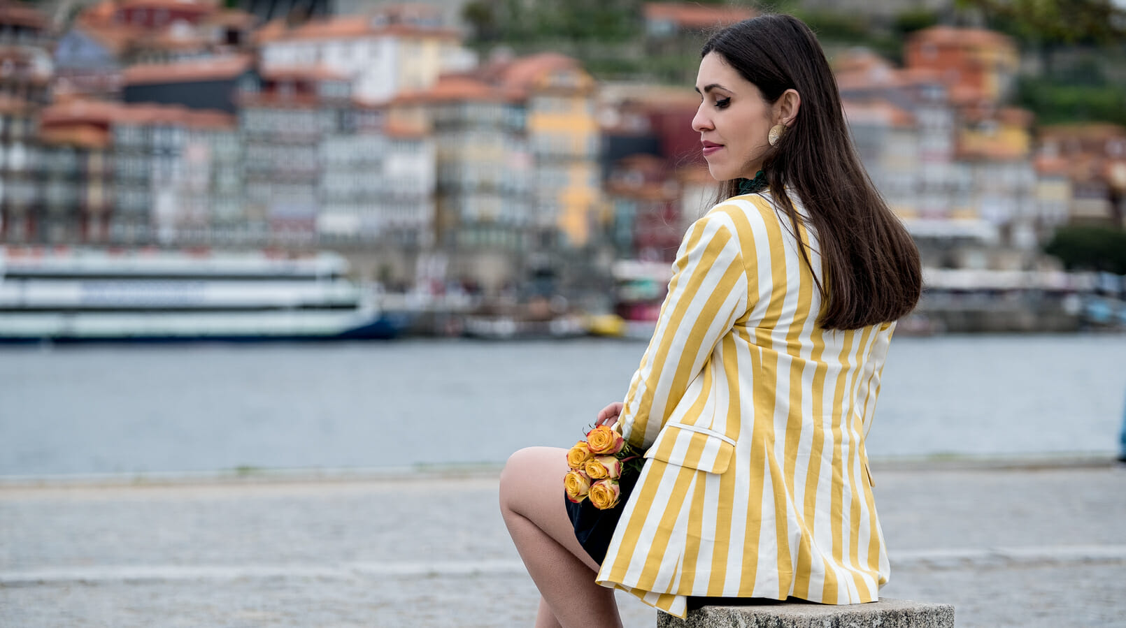 Le Fashionaire You need to know this street art rabbit yellow white vertical stripes bershka blazer gold bold green tassels zara earrings yellow roses 9219F EN
