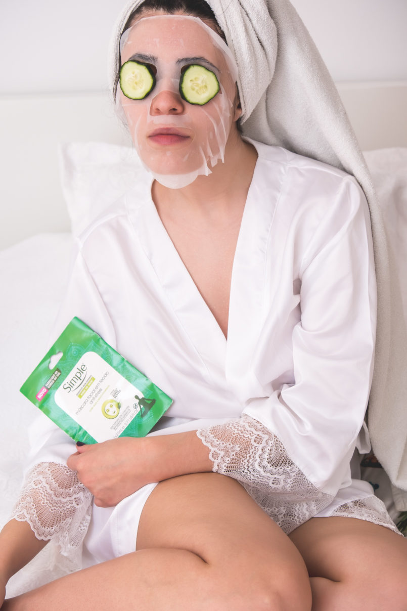 Le Fashionaire Simple: the supermarket brand that i love blogger catarine martins facial mask anti pollution simple white satin lace primark robe cucumber 1277 EN 805x1208