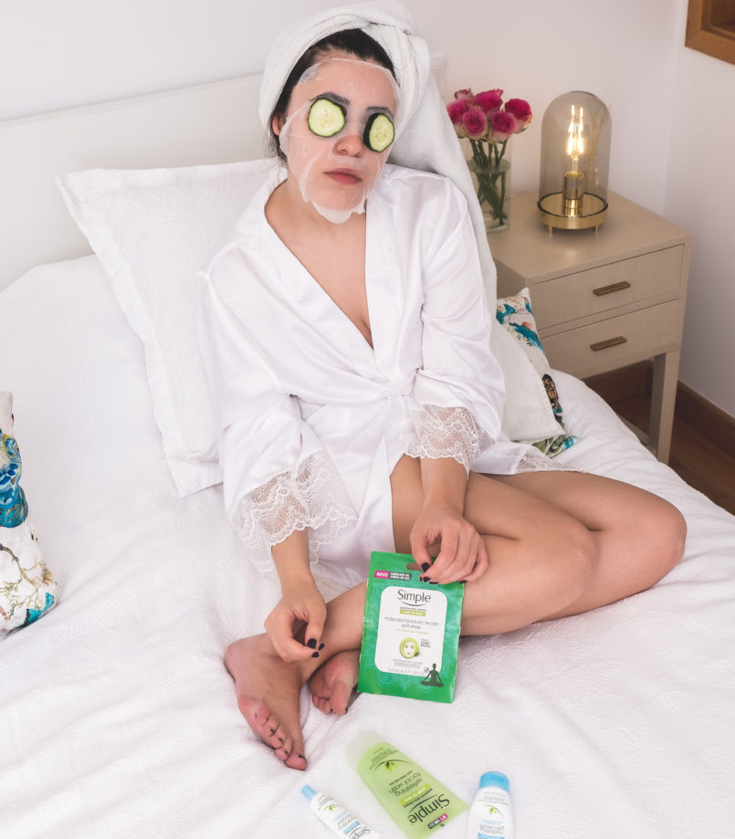 Le Fashionaire Simple: the supermarket brand that i love blogger catarine martins facial mask anti pollution simple white satin lace primark robe pink roses cucumber 1271 EN 805x919