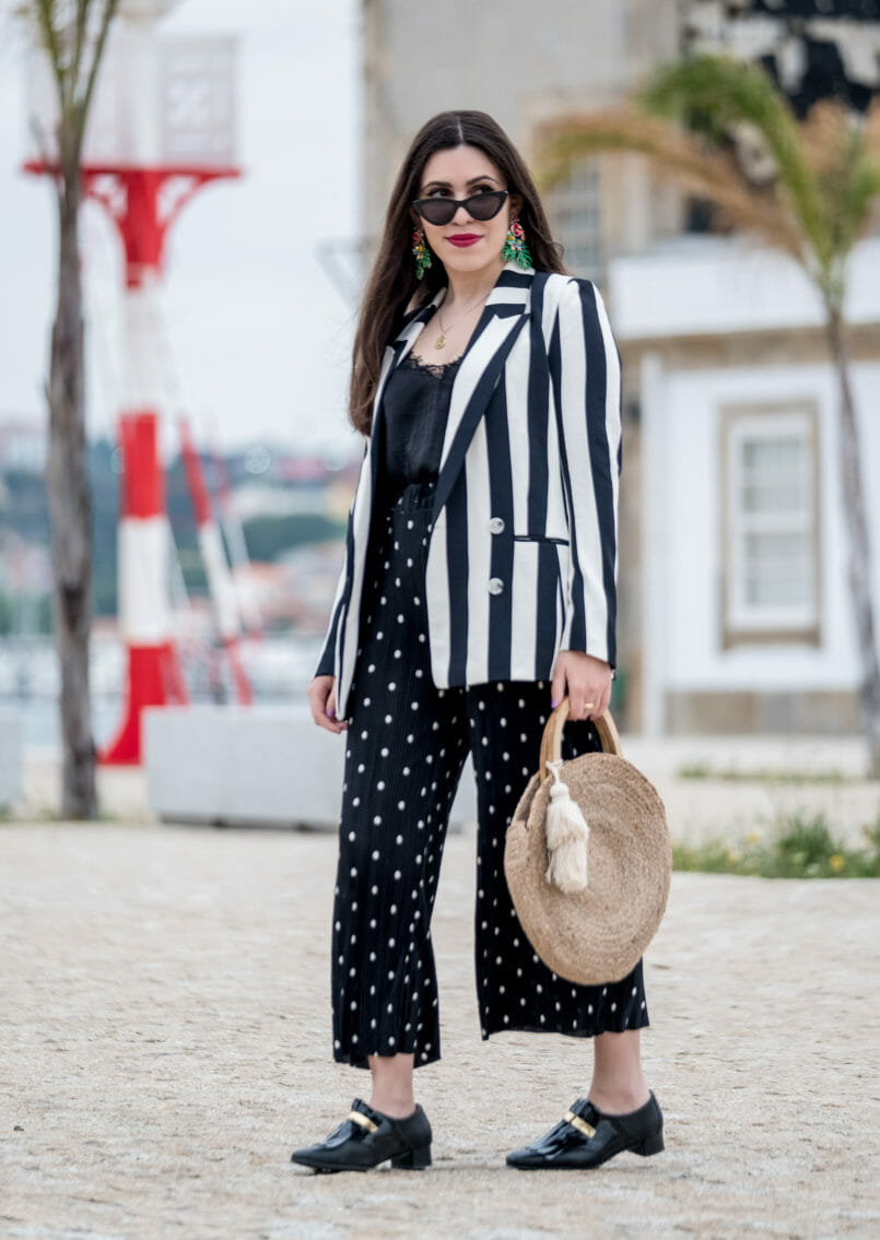 Le Fashionaire Stripes and polka dots in the same outfit: yay or nay? bold leaf earrings zara white black stripes hm blazer satin black lace stradivarius top cinco gold world map necklace silver 0933 EN 805x1135