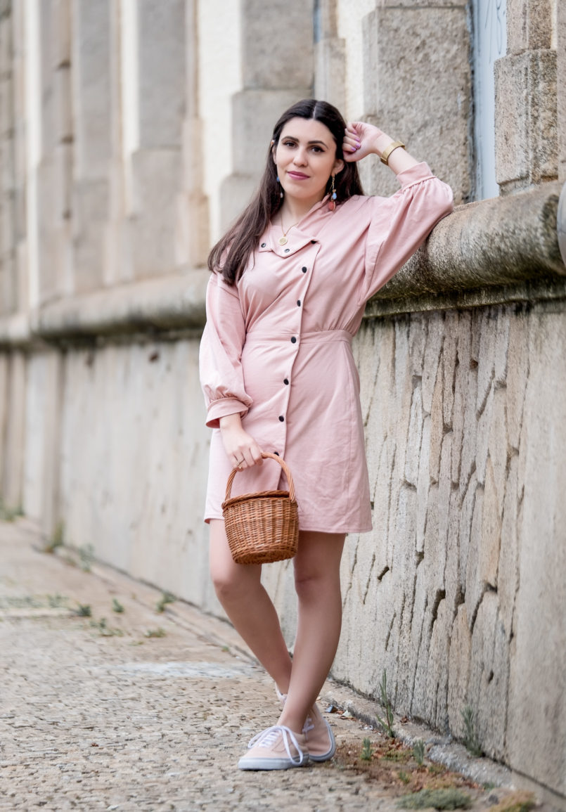 Le Fashionaire Clothes are not disposable pale pink asos dress pale pink polka dots vans gold coin old necklace la petite sardine straw bag bold colorful earrings mango 0840 EN 805x1155