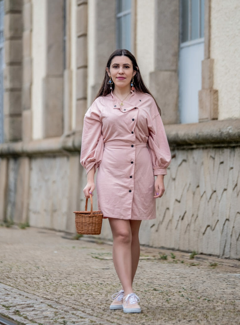 Le Fashionaire Clothes are not disposable pale pink asos dress pale pink polka dots vans gold coin old necklace la petite sardine straw bag bold colorful earrings mango 0881 EN 805x1092