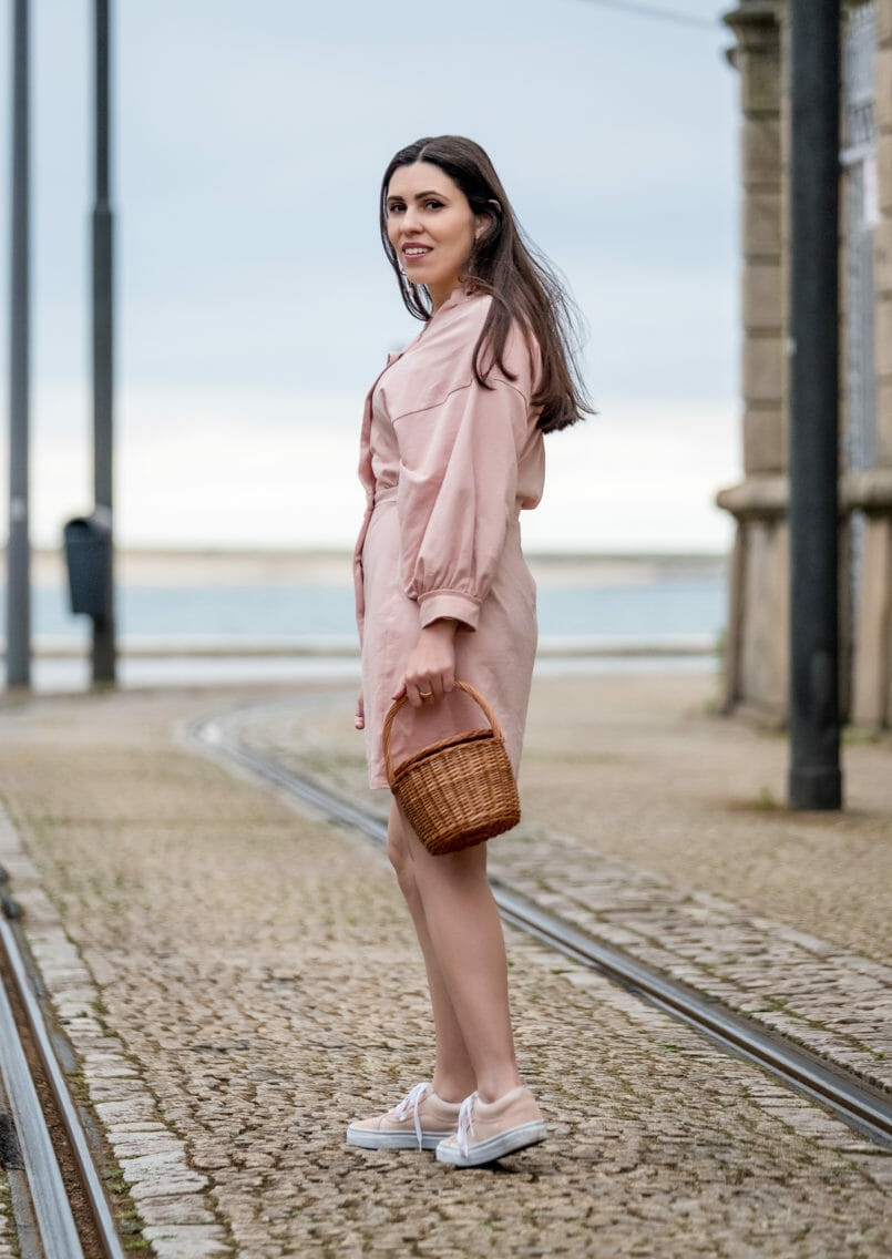 Le Fashionaire Clothes are not disposable pale pink asos dress pale pink polka dots vans la petite sardine straw bag bold colorful earrings mango 0899 EN 805x1136