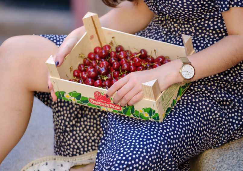 Le Fashionaire The cherry season is here, yay! polka dots dark vintage dress staw cherry red gold rosefield watches watch 1576 EN 805x568