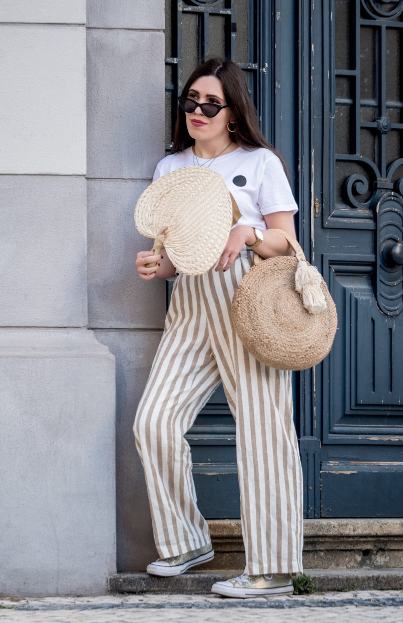 Le Fashionaire The fan you need this summer white beige stripes linen trousers stradivarius gold converse all star fan palm leaf womens secret round zara straw bag 1444 EN 805x1243