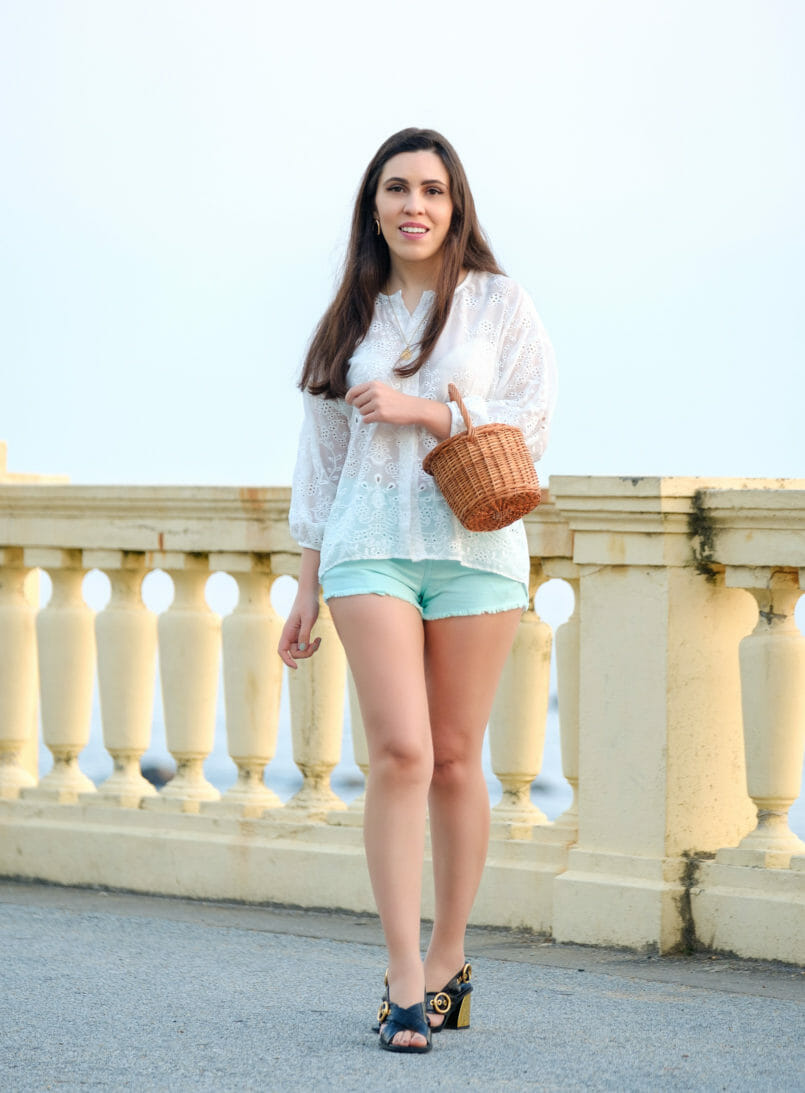 Le Fashionaire One has never too many white shirts fashion inspiration white english embroidered zara shirt mint denim bershka shorts gold black leather uterque sandals la petite sardine straw bag 2046 EN 805x1093