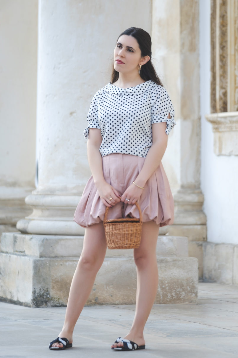 Le Fashionaire Sales: It was love at first sight white polka dots linen blouse zara massimo dutti pale pink shorts polka dots black white mango slides la petite sardine straw bag quartz mango earrings 2135 EN 805x1208