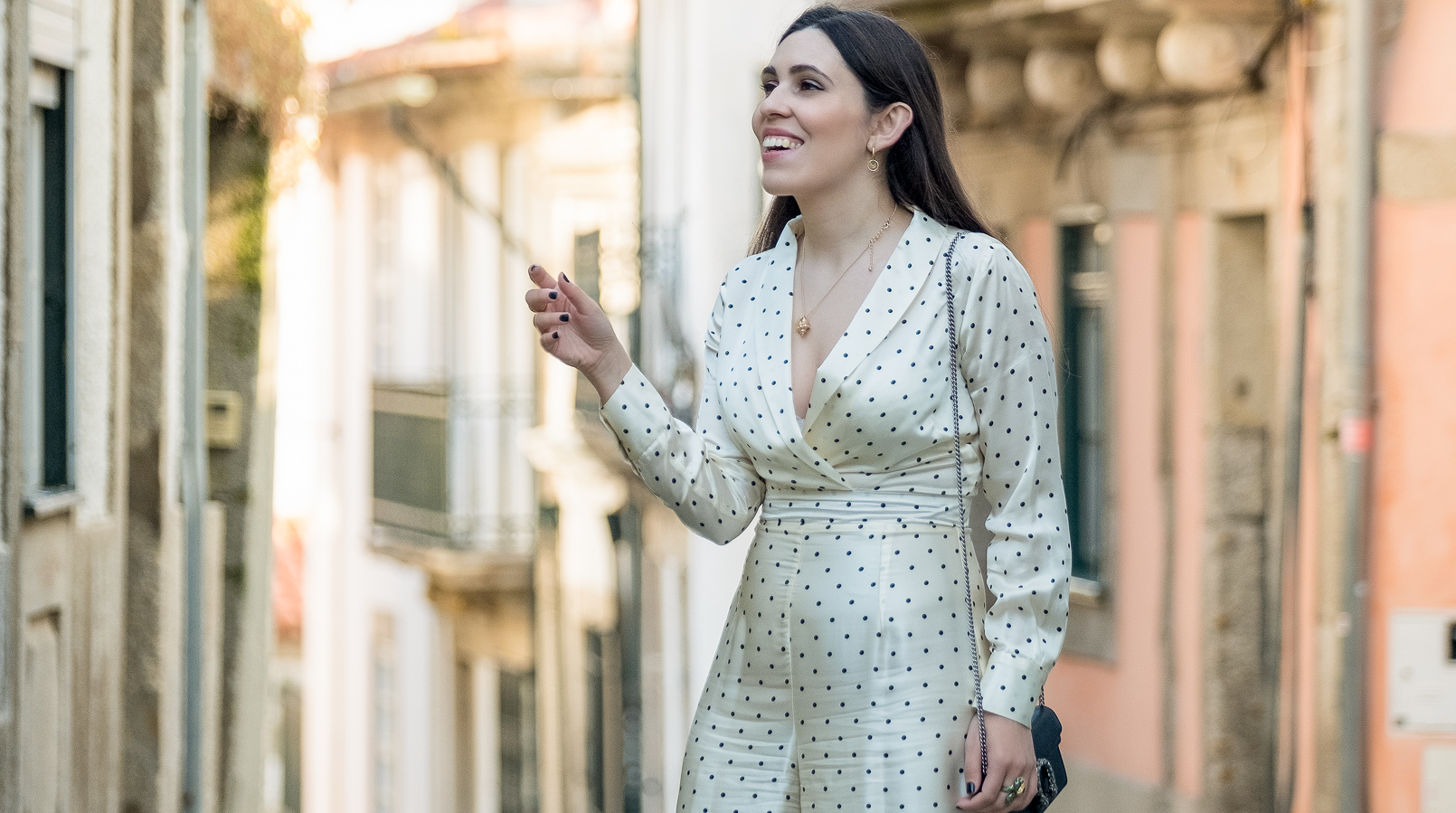 Le Fashionaire This is my favorite jumpsuit ever white silk polka dots colorful uterque jumpsuit black leather gold heels uterque sandals 2481F EN