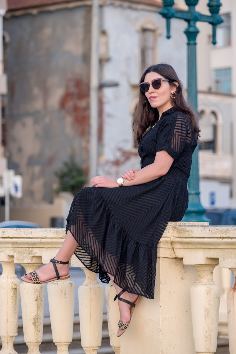 Le Fashionaire Wearing black on summer: why not? lady like zara black dress black leopard leather flat sandals miu miu pale pink sunglasses gold mango hoop earrings 4308 EN 805x1208