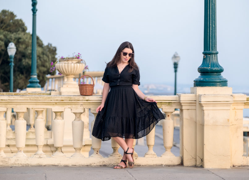 Le Fashionaire Wearing black on summer: why not? lady like zara black dress black leopard leather flat sandals miu miu pale pink sunglasses la petite sardine straw basket gold mango hoop earrings 4281 EN 805x583
