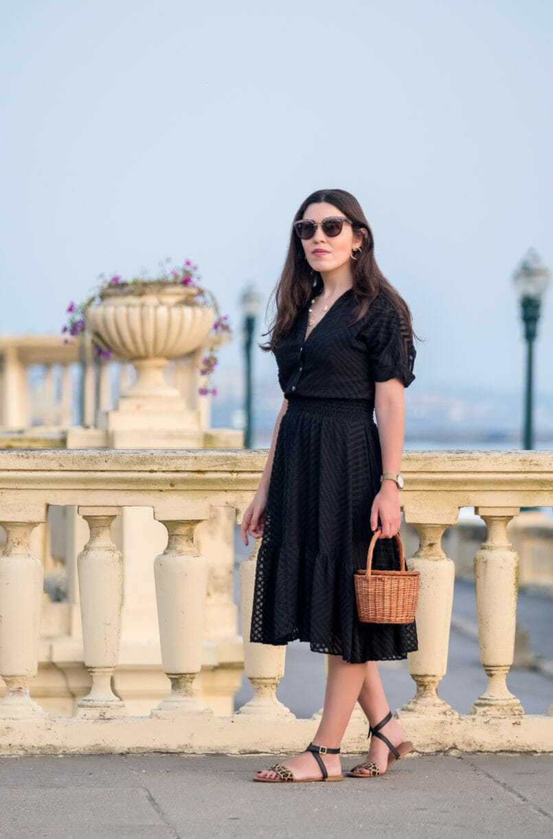 Le Fashionaire Wearing black on summer: why not? lady like zara black dress black leopard leather flat sandals miu miu pale pink sunglasses la petite sardine straw basket gold mango hoop earrings 4291 EN 805x1221