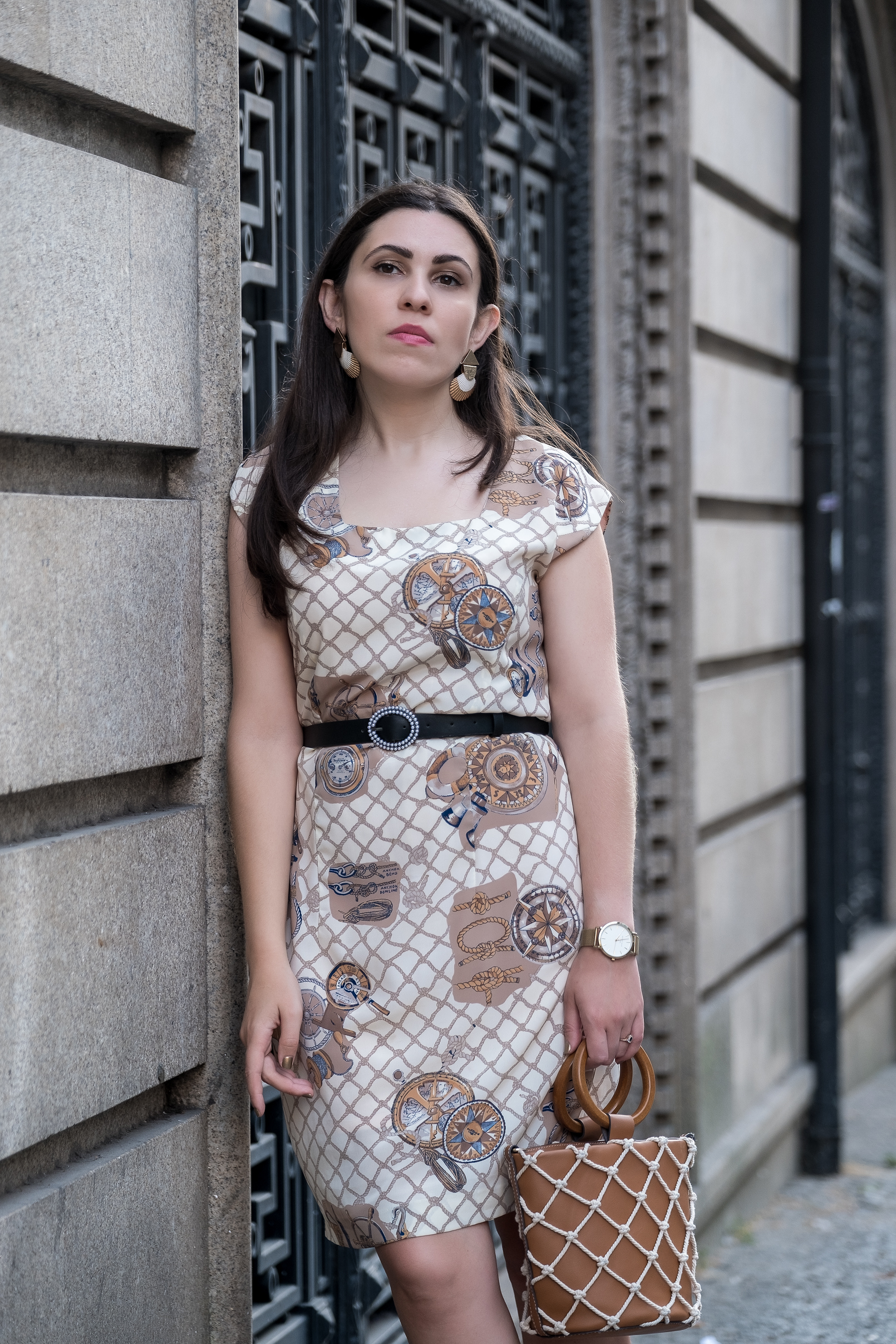 Le Fashionaire vintage dress sailors compass beige print black white pearls zara belt shell white gold mango earrings rosefield gold watch 5658 EN vintage dress sailors compass beige print black white pearls zara belt shell white gold mango earrings rosefield gold watch 5658 EN