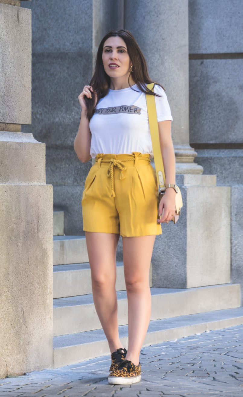 Le Fashionaire How to wear neon (one of next seasons trends) white tee know your power quote neon olive yellow zara rope belt shorts leopard faux fur stradivarius sneakers 5475 EN 805x1317
